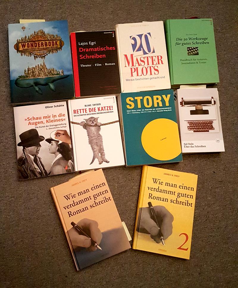 Zahlreiche Ratgeber-Bücher zum Thema Schreiben